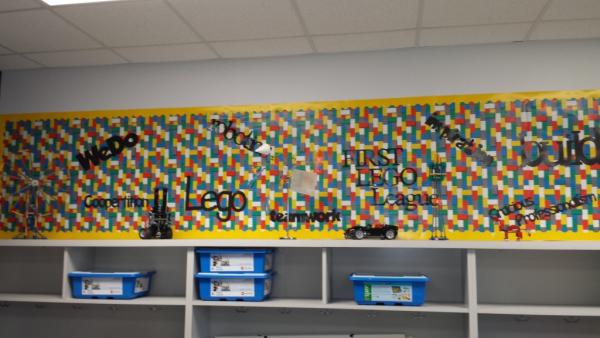 lego wall resized 600